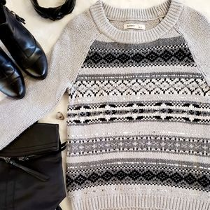 ❄ Old Navy Knit Sweater with Sequins